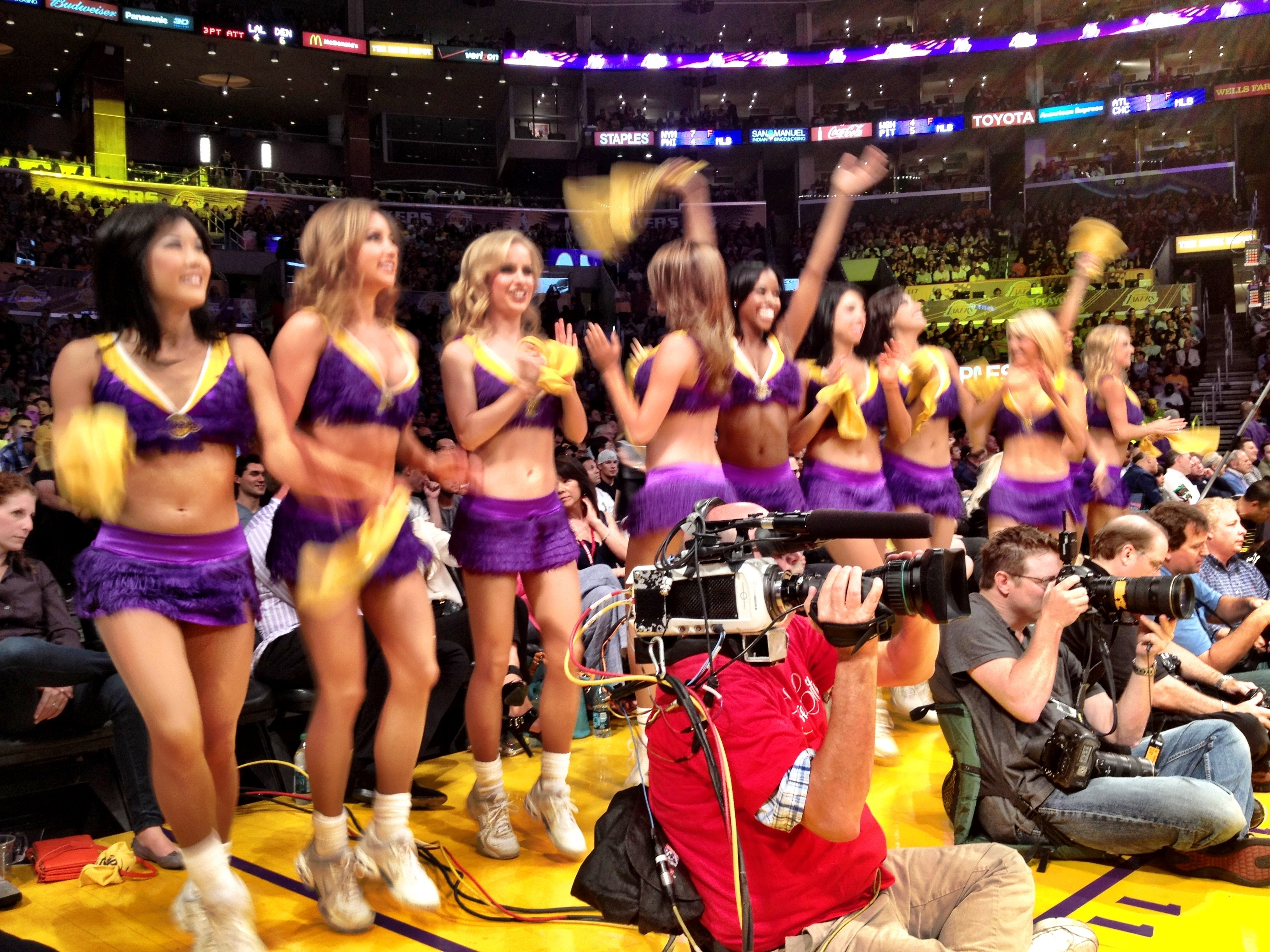 Lakers game 5 courtside